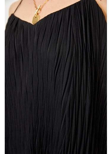 Setre Siyah Askılı V Yaka Piliseli Kolsuz Bluz Siyah